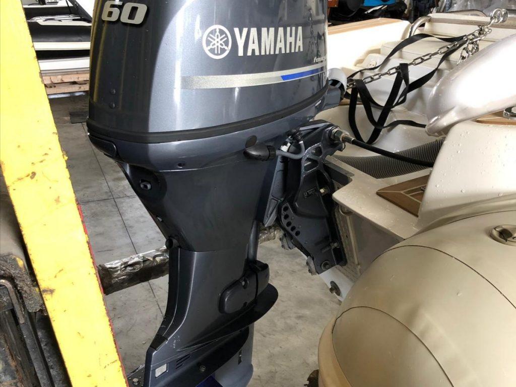 Tender Capelli 410 completo di motore Yamaha 60 Hp – come nuovo