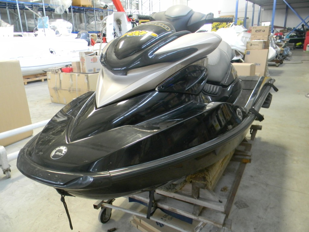 Moto d'acqua Seadoo RXP 215